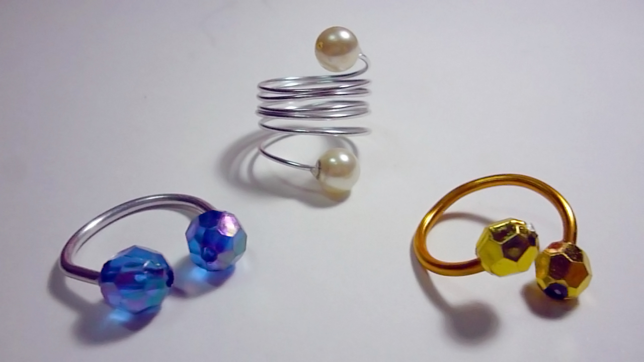 DIY – Super Easy Wire Rings – Nikki Syther