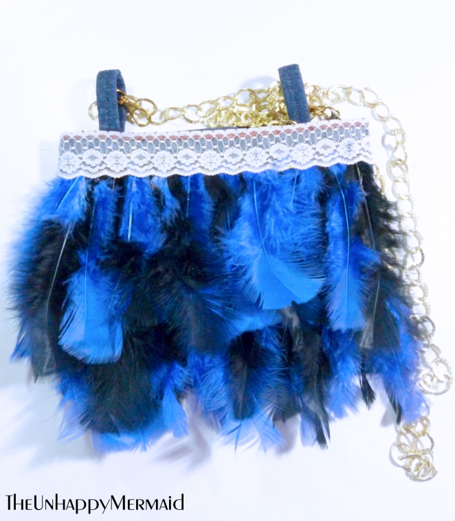 diy feather purse, diy purse, how to restyle an old purse, how to make a purse, how to restyle a purse using feathers, diy fashion, diy style, diy purse, diy feathers, feathers, diy, fashion, style