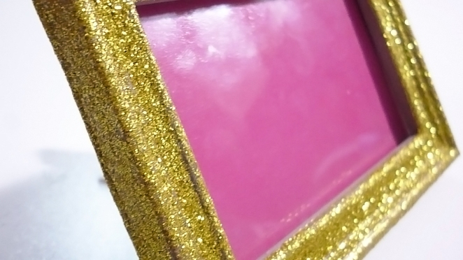DIT GLITTER PICTURE FRAME, DIY GLITTER, DIY DECOR, DO IT YOURSELF, PICTURE FRAME,